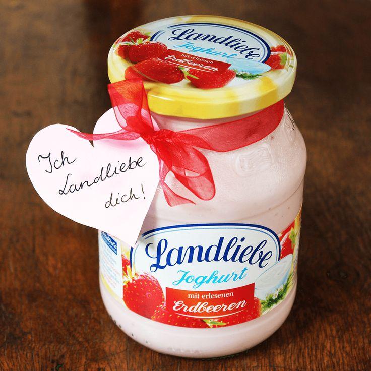 Landliebe joghurt zamatos eperrel. A Landliebe epres gyümölcsjoghurt a mennyei eper és a krémes joghurt fenséges kombinációja.