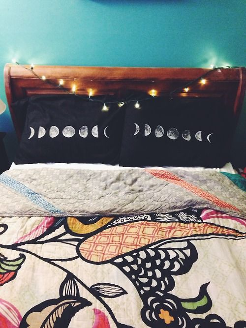 DIY phases of the moon pillow cases! tutorial here: https://www.youtube.com/watch?v=xdXM90Yd200 :) #DIY #RoomDecor #tumblrroom