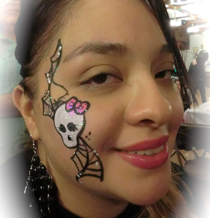 monster high face painting   ... FACE AND BODY PAINTING, BALLOONS   Monster High side face painting