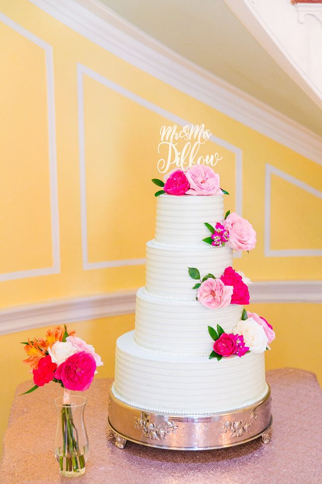 beautiful wedding cake made by PPHG pastry chef Jessica Grossman at Kathryn & Clinton's historic wedding at Lowndes Grove Plantation | Charleston, SC | Real Wedding featured on Coastal Bride |  Photo by Dana Cubbage Weddings