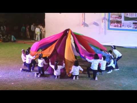 Vidya Pratishthan's Someshwar Eng Medium School P T Display ( Fur Fan Drill Dance) 2016 - YouTube