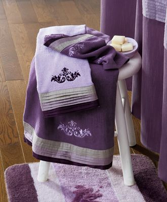 Winter Blush Shades Of Purple Bathroom Towels
