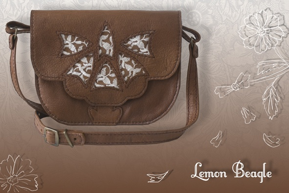 This bag is called Blanchefleur, For more info go to http://www.facebook.com/LemonBeagle