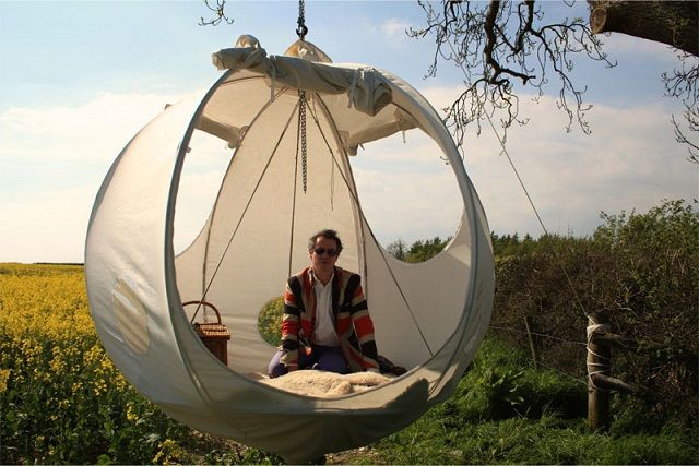 Roomoon: Awesome Spherical Tents That Perfect for Summer Glamping - iCreatived