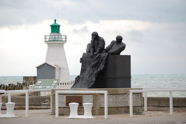 Lost Fisherman tribute at the #Lighthouse in Port Dover, Ontario - #Canada http://dennisharper.lnf.com/