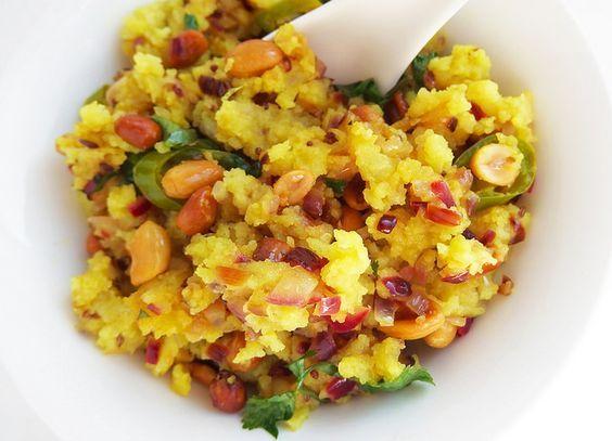Kanda Poha (Indiaas ontbijt met rijstvlokken)
