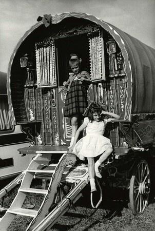 Caravan Gypsy Vardo Wagon:  A #Gypsy wagon.