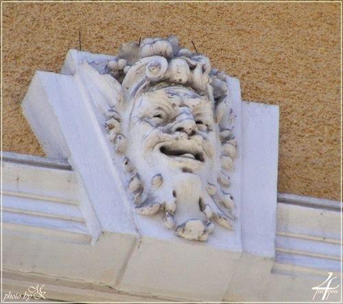 ablak fejdíszes zárókő Kazinczy utca 28 - window head ornate keystone Kazinczy street 28 - Budapest
