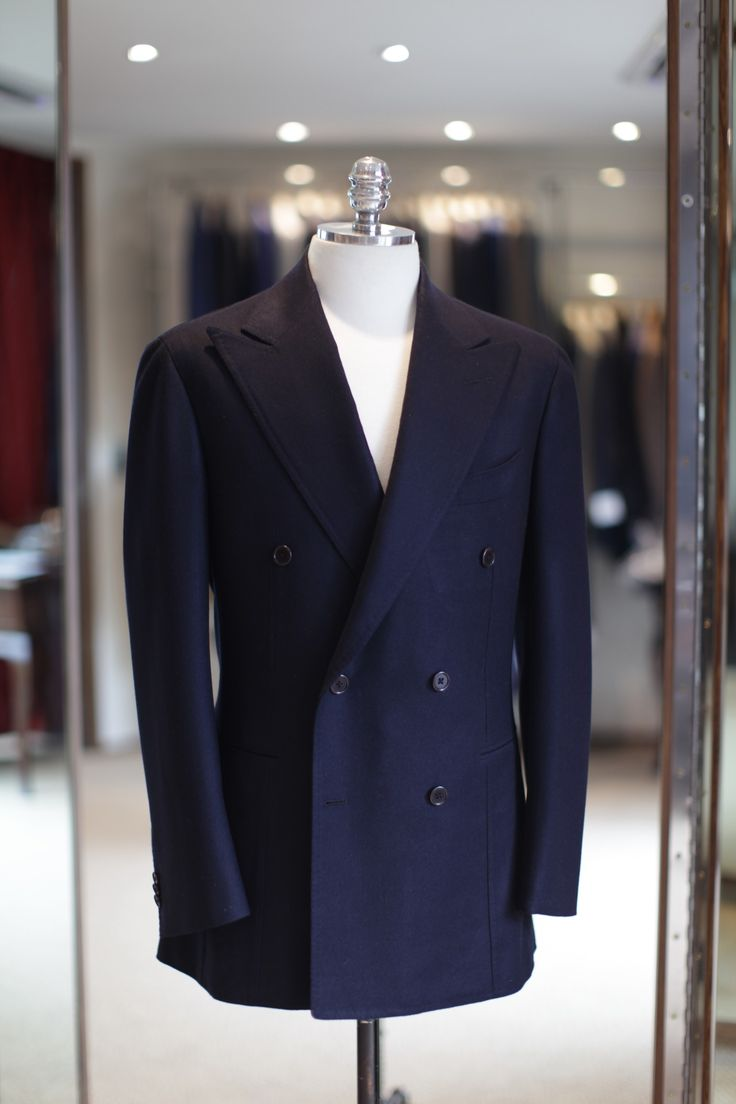 gentlementools:  Cashmere navy DB by BnTailorshop photo courtesy of subskin  Cashmere Navy Double Breasted Sports Coat by B&TAILOR