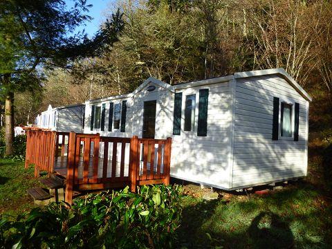 Camping Le Ty Nadan ***** - Un des mobil-homes http://bougerenfamille.com/campings-en-bretagne-pour-les-familles/