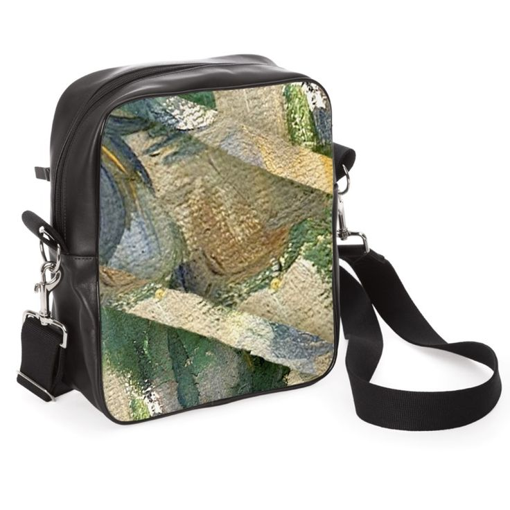 """""""Cézanne/Dettagli""""  -  Size 30cm x 26cm x 10cm Three pockets with zip closure Lined interior in suede fabric Removable shoulder strap with quick hooks."""