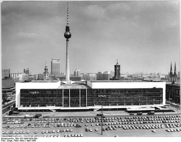 1986 - East Berlin, DDR - Palast der Republik