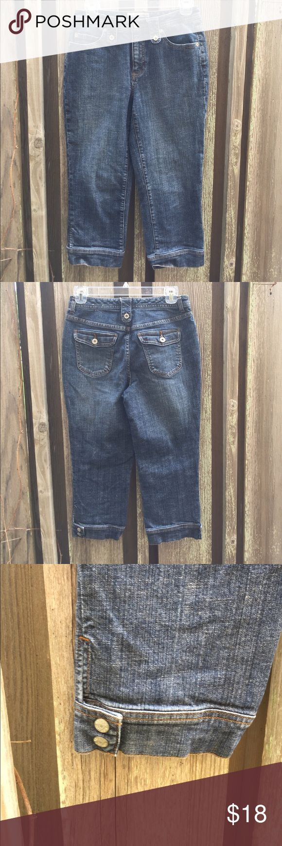 CHICO'S DENIM CAPRI Denim capris with two buttons at pant cuff see picture Chico's Pants Capris