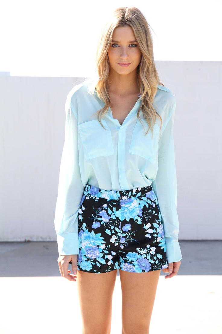 .Fashion Outfit, Teen Fashion, Floral Prints, Floral Shorts, Style, Closets, Blue, Floral Outfit, Prints Shorts
