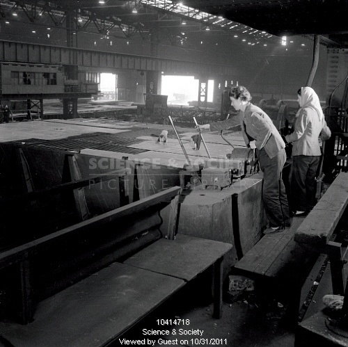 1950s UK - labourers in a sheet steel (steel plate) mill, Consett | Flickr - Photo Sharing!