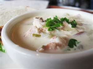 Red Lobster Clam Chowder  Copycat Recipe   Serves 6   1 quart clam juice  1 cup non-fat dry milk powder  2/3 cup flour  1 can chicken bro...