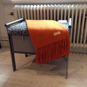 Instagram photo by olbydesign - #Ladan bänk, 2 lådor, gråmålad och grått ekologiskt fårskinn. #TornboMöbler