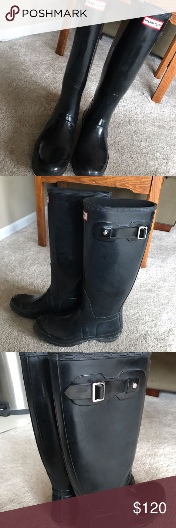 Size 9 glossy Hunters wonderful condition, slight white clouding but they can be buffed, worn a few times. nothing wrong with them i just want to get new wide calf Hunters. Hunter Boots Shoes Winter & Rain Boots