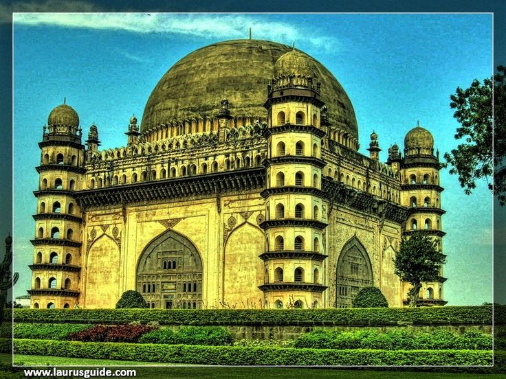 #GolGumbaz is truly an amazing architectural wonder that the dome stands unsupported by pillars. The most exciting and remarkable feature of the #GolGumbaz is its sound system. Even the slightest murmur around the dome echoed repeatedly. The gallery around the dome of the #GolGumbaz offers magnificent views over the city.