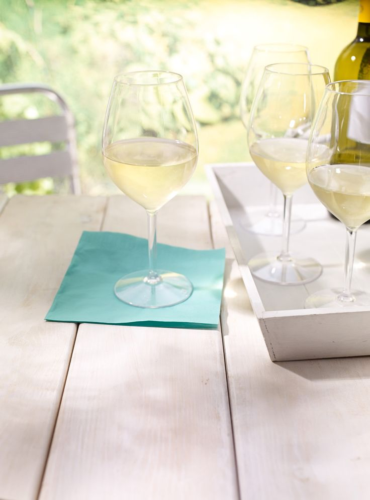 Verres vin en plastique ils ressemble s 39 y m prendre - Ustensiles de cuisine ricardo ...