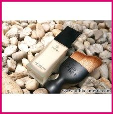 6.Eity Eight Liquid Foundation Review