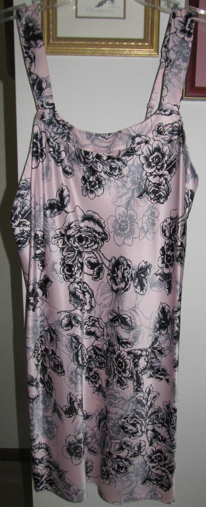 CABERNET Silky Satin Polyester Chemise Shortie Nightgown Pink & Black Flowers S #Cabernet #ShortChemiseNightgown