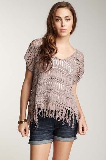 Cute hairpin lace top.