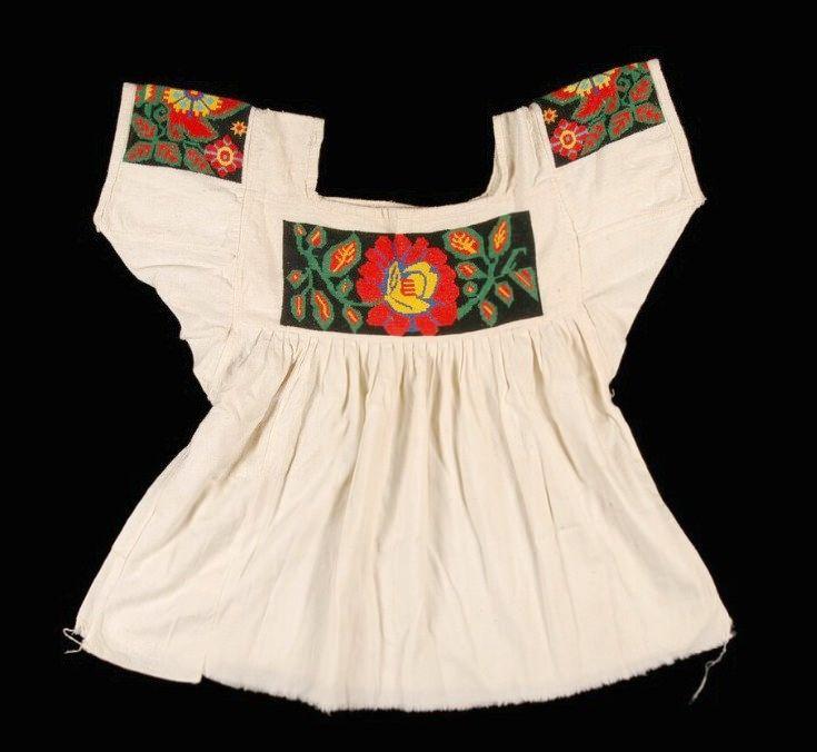 Nahua Blouse Hidalgo Mexico (Teyacapan) Tags: mexico mexican blusas blouses nahua hidalgo tianguistenco trajes clothing museum