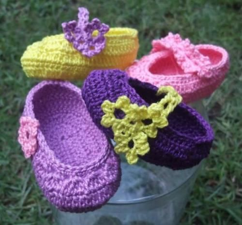 crochet baby girl shoes in different colors