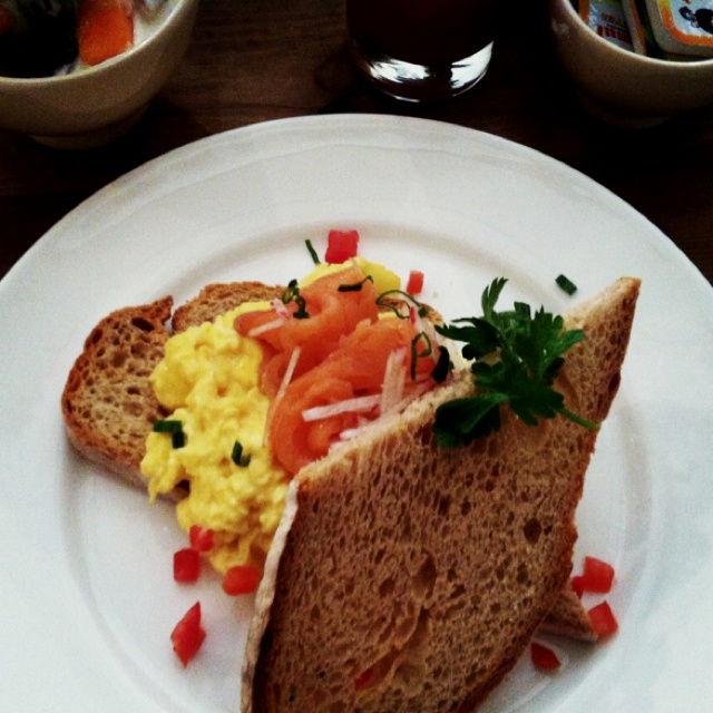 Scrambled eggs with Smoked salmon | Food | Pinterest