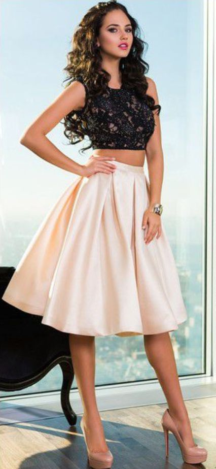 Homecoming Dresses Black Sleeveless Lace-Up Lace Knee-length