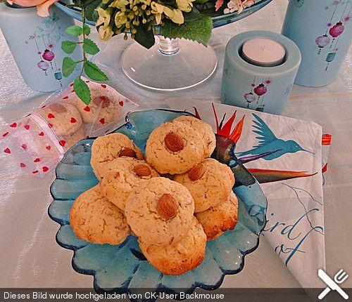Aprikosenkern-Kekse mit Tonkabohne