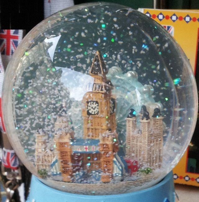 289 Snow Globe Images Pinterest Globes Music Boxes London Winter