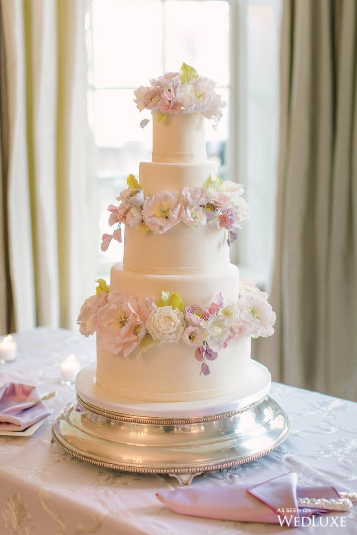 english wedding cakes 1000 ideas about lilac wedding cakes on 14024