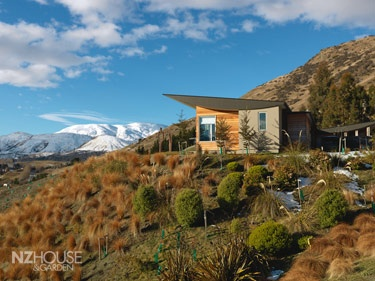 Houses & GardensArticle: From Queenstown to Milford - NZ House & Garden