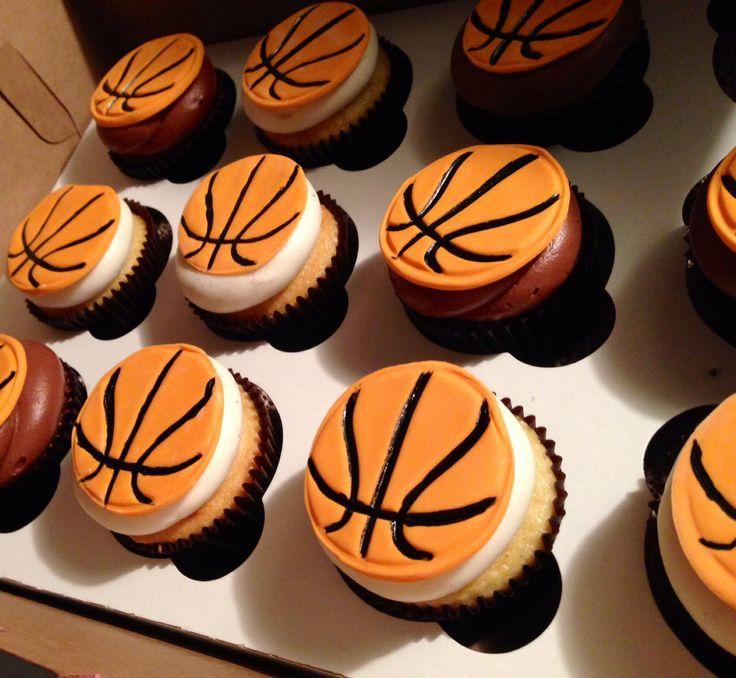 Decorating A Basketball Cake