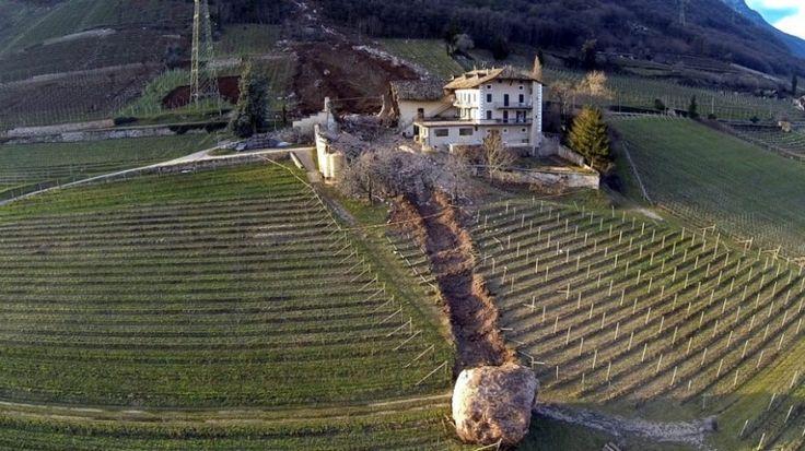 Камнепад вИталии разрушил старинную усадьбу