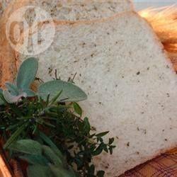 Foto recept: Kruidenbrood uit de broodbakmachine