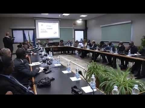 Integrazione ed inclusione sono questi i temi scelti dall'Istituto Agronomico del Mediterraneo, per celebrare la Giornata Mondiale dell'Alimentazione. GUARDA IL VIDEO http://www.pugliaglam.tv/cultura-territorio/item/807-world-food-day-2013-lo-iamb-lancia-il-progetto-aforil
