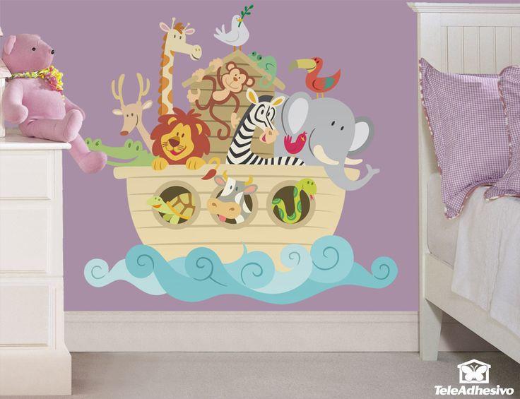 En este vinilo infantil están todos los animales del Arca de Noé. La tortuga, la vaca, la serpiente, el cocodrilo, el león, la cebra, el pajarito, el elefante, el ciervo, la jirafa, el mono, el tucán, la lagartija y la paloma.