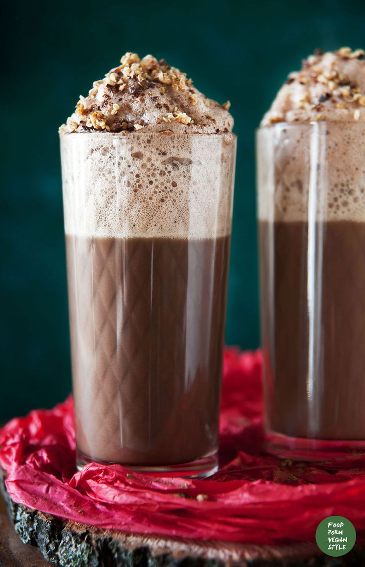 Carob hot chocolate (only 3 ingredients, refined sugar-free)