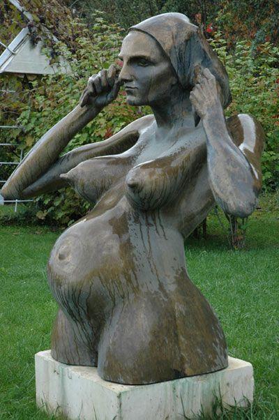 heykeltraş mehmet aksoy'un en sevdiğim heykeli. sculptor turkish.