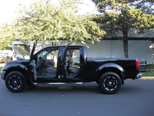 2007 Nissan Frontier SE Crew Cab 4X4 / LIFTED / 1-OWNER - Photo 10 - Portland, OR 97217