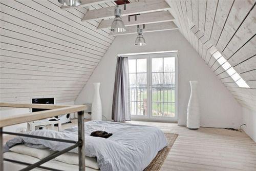 woodModern House Design, Luxury House, Attic Bedrooms, Loft Bedrooms, Living Room Design, Home Interiors Design, White Bedrooms, Attic Room, Design Home