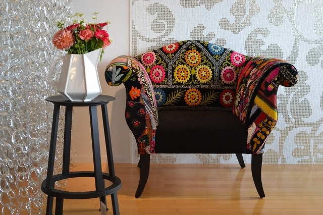 Awesome sofa from @Bokja with a courtain made with Giogali hooks. Via @TOYO KITCHEN STYLE