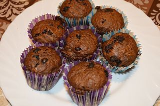 Chocolate Chip Banana Muffins (You can make them vegan!)