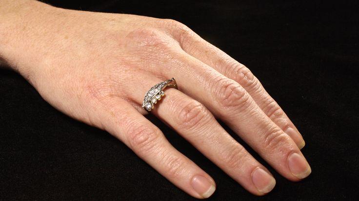 Het proces van deze prachtige witgouden ringen met 20 Diamanten, bekijk het hier(klik op de foto) #goudsmidmetpassie #witgoud #damesringmetdiamanten