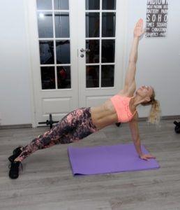 Reseptejä ja treenejä vatsalihasliikkeet: Vatsalihastreeni