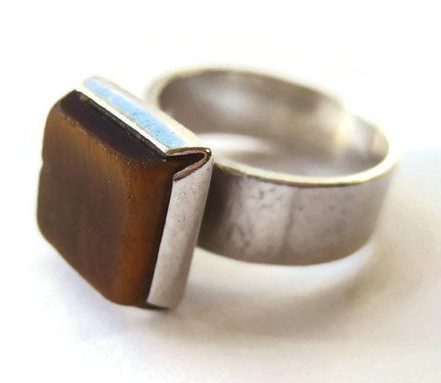 SOLD. Vintage Kupittaan Kulta tiger's eye ring, Finnish modernist design, Elis Kauppi, mid century 1970s Scandinavian silver, Nordic jewelry. https://www.etsy.com/listing/260118744/vintage-kupittaan-kulta-tigers-eye-ring
