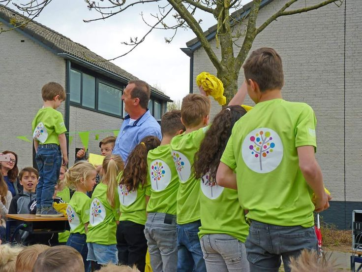 Stravers Workwear mocht IKC De Plattenburg helpen met de nieuwe huisstijl. Dat resulteerde in deze toffe bedrukte shirts!